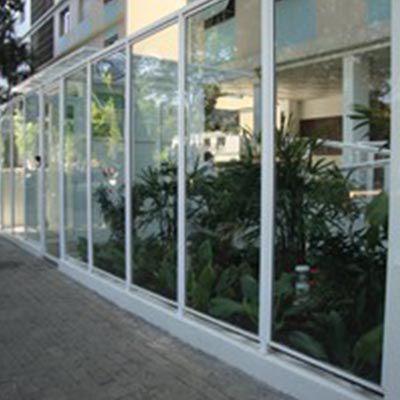 Muro de vidro em Campo Belo